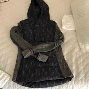 NWOT lululemon down pullover hood jacket size 6